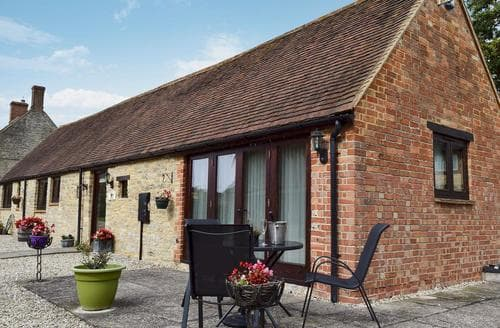 Last Minute Cottages - Captivating Oxford Cottage S15707