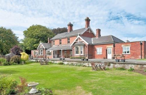 Last Minute Cottages - Wonderful Scarborough Cottage S15422