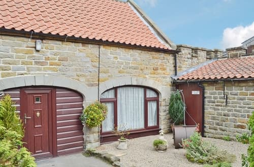 Last Minute Cottages - Inviting Harwood Dale Cottage S15156