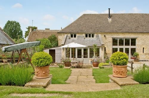 Last Minute Cottages - Quaint Bourton On The Water Cottage S16093