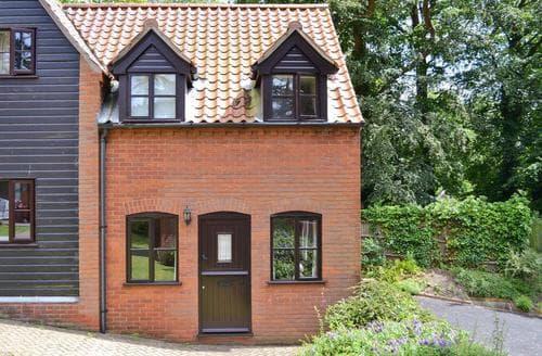Last Minute Cottages - Captivating Cromer Cottage S17114