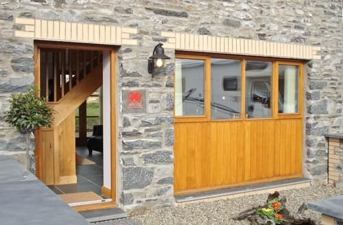 Last Minute Cottages - Bwthyn Celyn-OA6