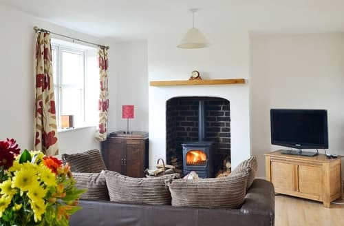 Last Minute Cottages - Attractive Stoke On Trent Cottage S16076