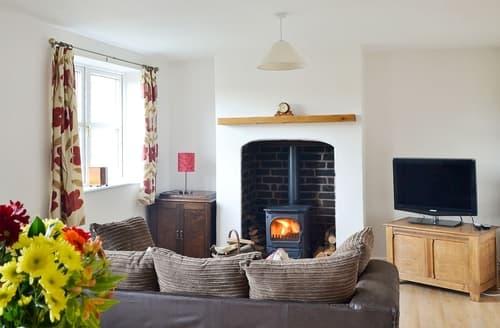 Last Minute Cottages - Chorlton Moss Cottage