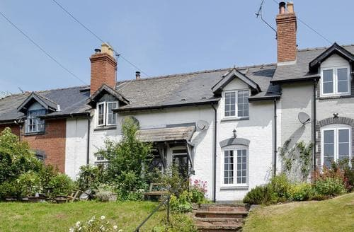 Last Minute Cottages - Luxury Ludlow Cottage S16804