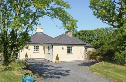 Last Minute Cottages - Exquisite Menai Bridge Cottage S24757