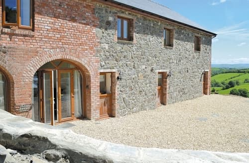 Last Minute Cottages - Lower Barn