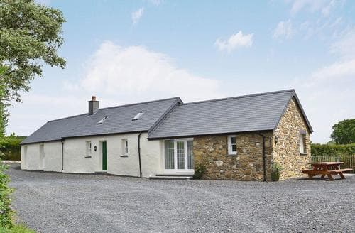Last Minute Cottages - Adorable Fishguard Cottage S21843