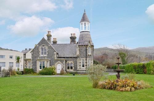 Big Cottages - Charming Conwy Cottage S22435