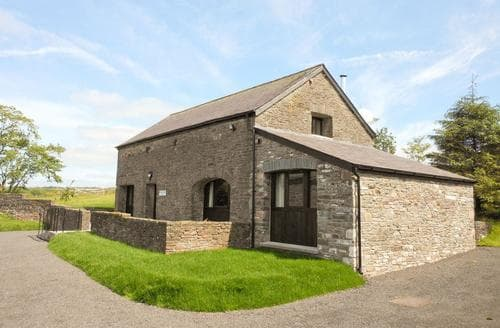 Last Minute Cottages - Rhandir Barn
