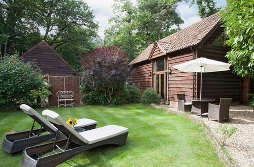 Last Minute Cottages - Luxury Burley Cottage S14081