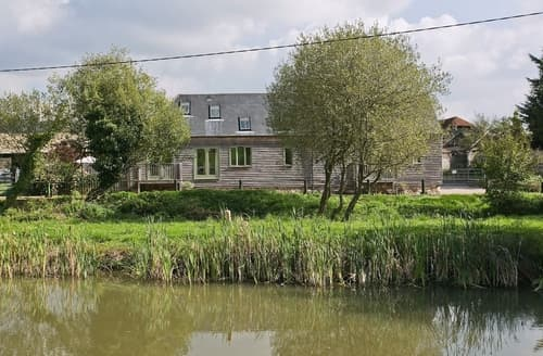 Last Minute Cottages - Adorable Alton Cottage S14056