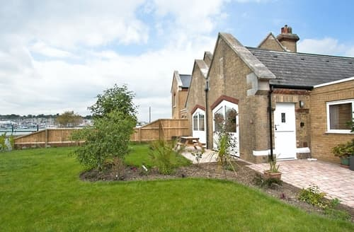 Last Minute Cottages - Excellent Cowes Cottage S33740