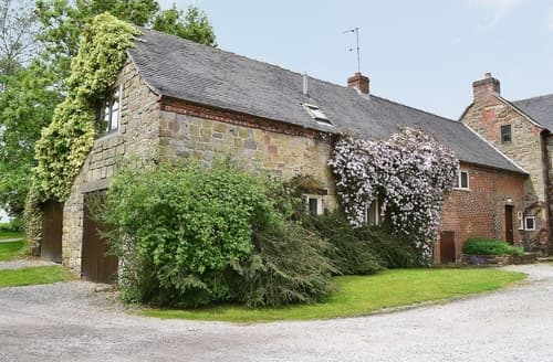 Dog Friendly Cottages - Luxury Ashbourne Cottage S16431