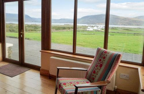 Last Minute Cottages - Lough Currane View