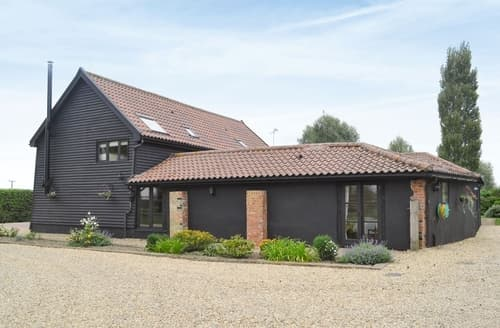 Last Minute Cottages - Burfields Barn