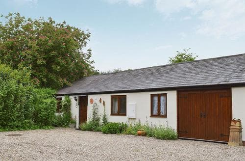 Last Minute Cottages - Priory Cot