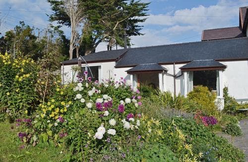 Last Minute Cottages - Delightful Beaumaris Cottage S22064