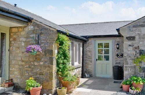 Last Minute Cottages - Wonderful Settle Cottage S15481