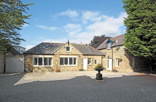 Last Minute Cottages - Splendid Buxton Apartment S16526