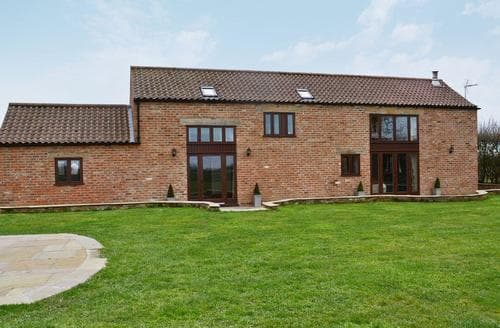 Last Minute Cottages - Kyme Barn