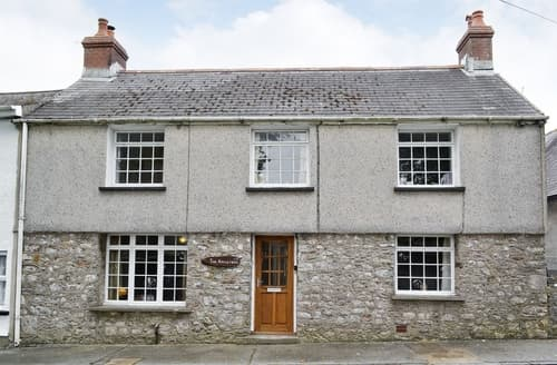 Dog Friendly Cottages - Wonderful Tenby Cottage S21956