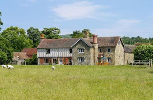 Last Minute Cottages - HENLEY FARMHOUSE - RJJ3