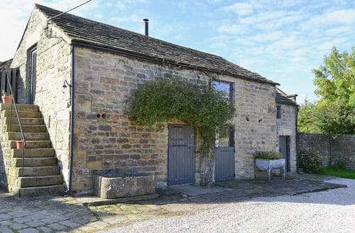 Last Minute Cottages - Luxury Chesterfield Cottage S16542