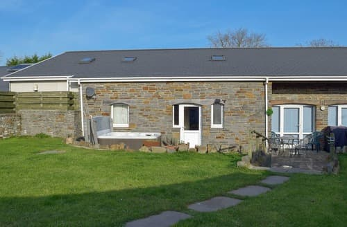 Last Minute Cottages - Glanmwrg Barn