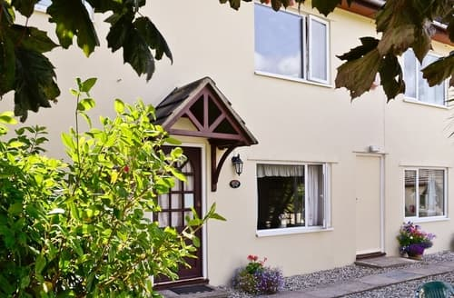 Last Minute Cottages - Copper Tree Cottage