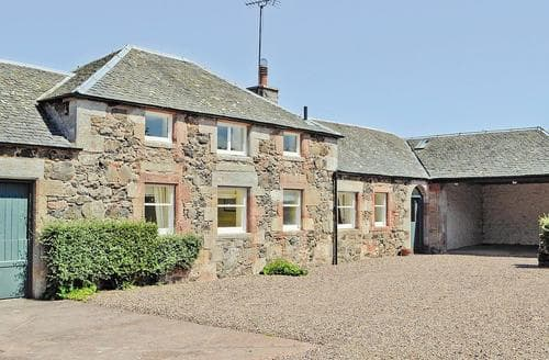 Last Minute Cottages - Gorgeous Edinburgh Cottage S23437