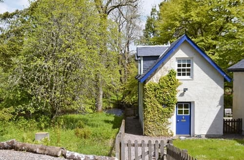 Dog Friendly Cottages - Gorgeous Pitlochry Cottage S26050