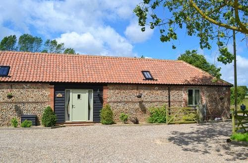 Last Minute Cottages - Quaint Happisburgh Cottage S17332