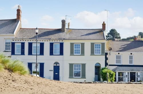 Last Minute Cottages - Lovely Bideford Apartment S19018