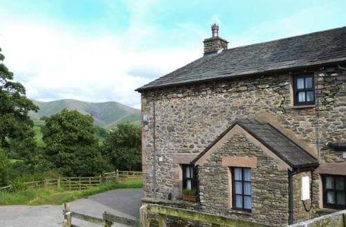 Last Minute Cottages - Bower House