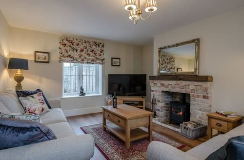 Last Minute Cottages - Wisteria House