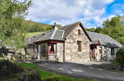 Last Minute Cottages - Excellent Pitlochry Cottage S23427