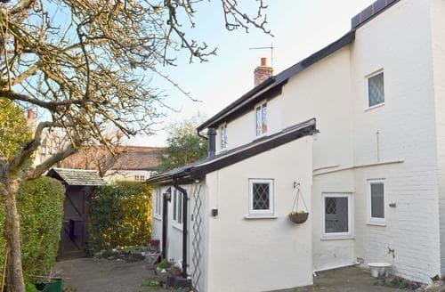 Last Minute Cottages - Quaint Lyme Regis Cottage S49737