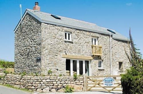 Last Minute Cottages - Porth Nanven Barn