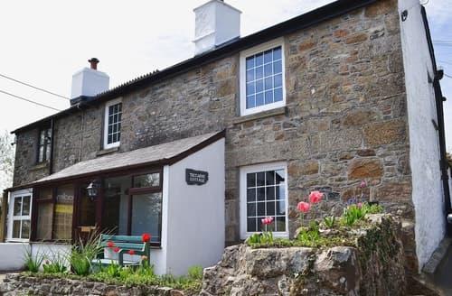 Last Minute Cottages - Trecarne Cottage