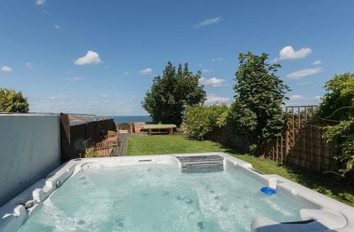 Last Minute Cottages - Twin Bays House