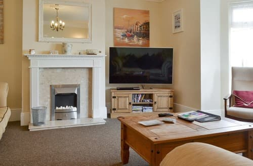 Dog Friendly Cottages - Quaint Sheringham Cottage S25016