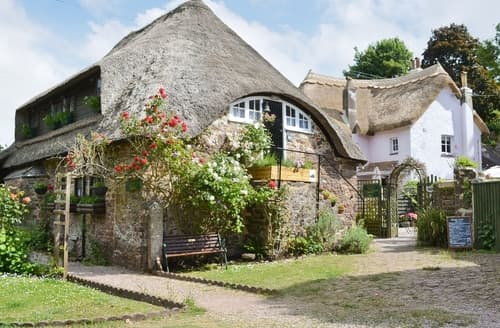 Last Minute Cottages - Granary Cottage