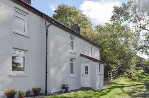 Last Minute Cottages - Excellent Tregaron And The Cambrian Mountains Cottage S113432