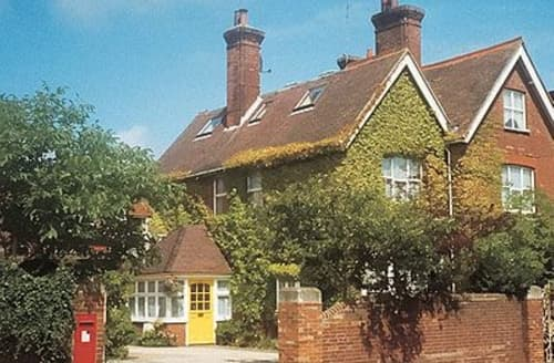 Last Minute Cottages - Quaint Eastbourne Cottage S13931