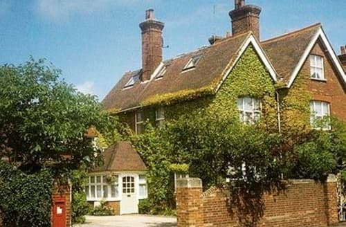 Last Minute Cottages - Quaint Eastbourne Cottage S13936