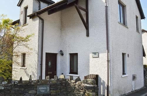 Last Minute Cottages - Beautiful Lowick Cottage S50187