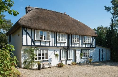 Last Minute Cottages - Luxury Crackington Haven Cottage S96947
