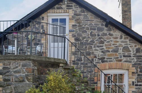 Last Minute Cottages - Cosy Rhayader And The Elan Valley Apartment S125003