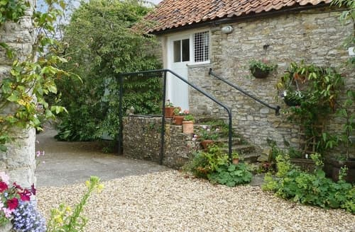 Last Minute Cottages - Quaint Glastonbury Cottage S20156